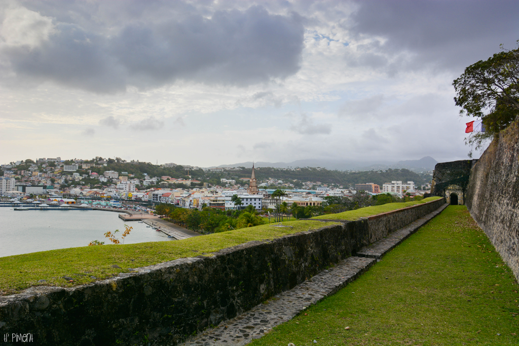 Fort de france le fort saint louis 3 ti 39 piment - Office du tourisme fort de france ...